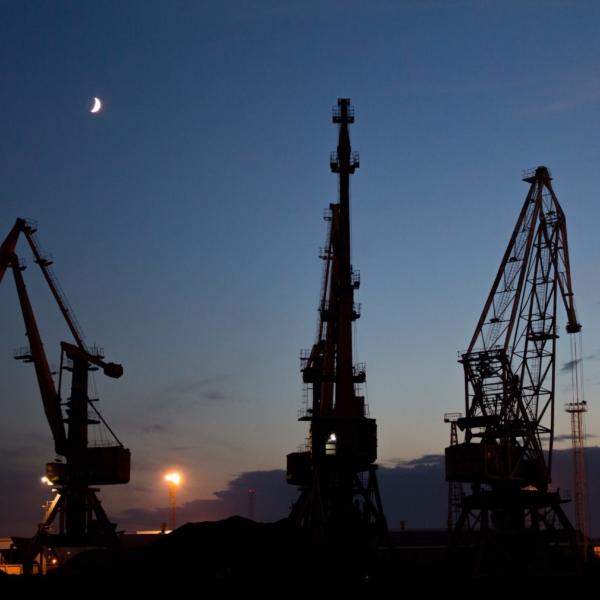 Vnitřní a vnější dimenze aktérství EU v energetických vztazích vůči Rusku a alternativním dodavatelům
