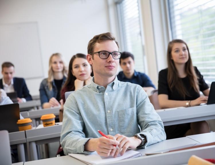 Studenti a akademici zvolili členy Akademického senátu FMV pro období 2020 – 2023