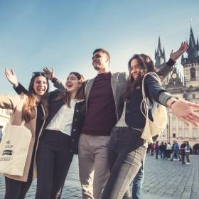 Semestr v zahraničí, stáže a mezinárodní prostředí? Studujte na Fakultě mezinárodních vztahů!