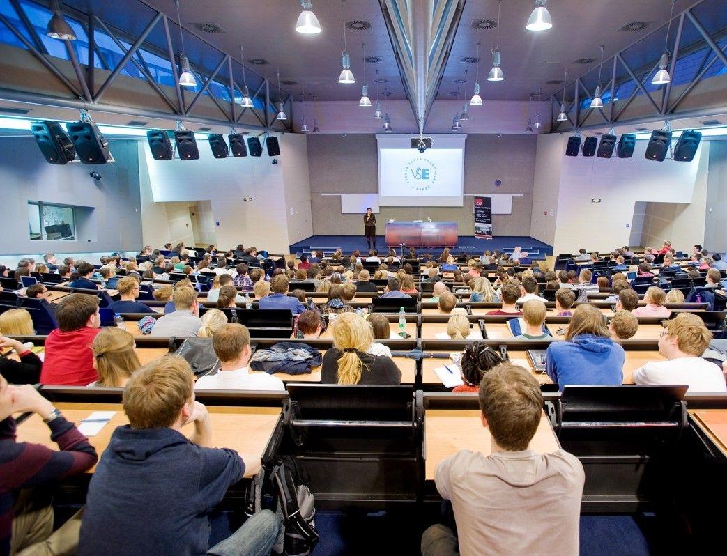 VŠE spustila aplikaci pro posuzování zahraničního vzdělávání uchazečů o studium