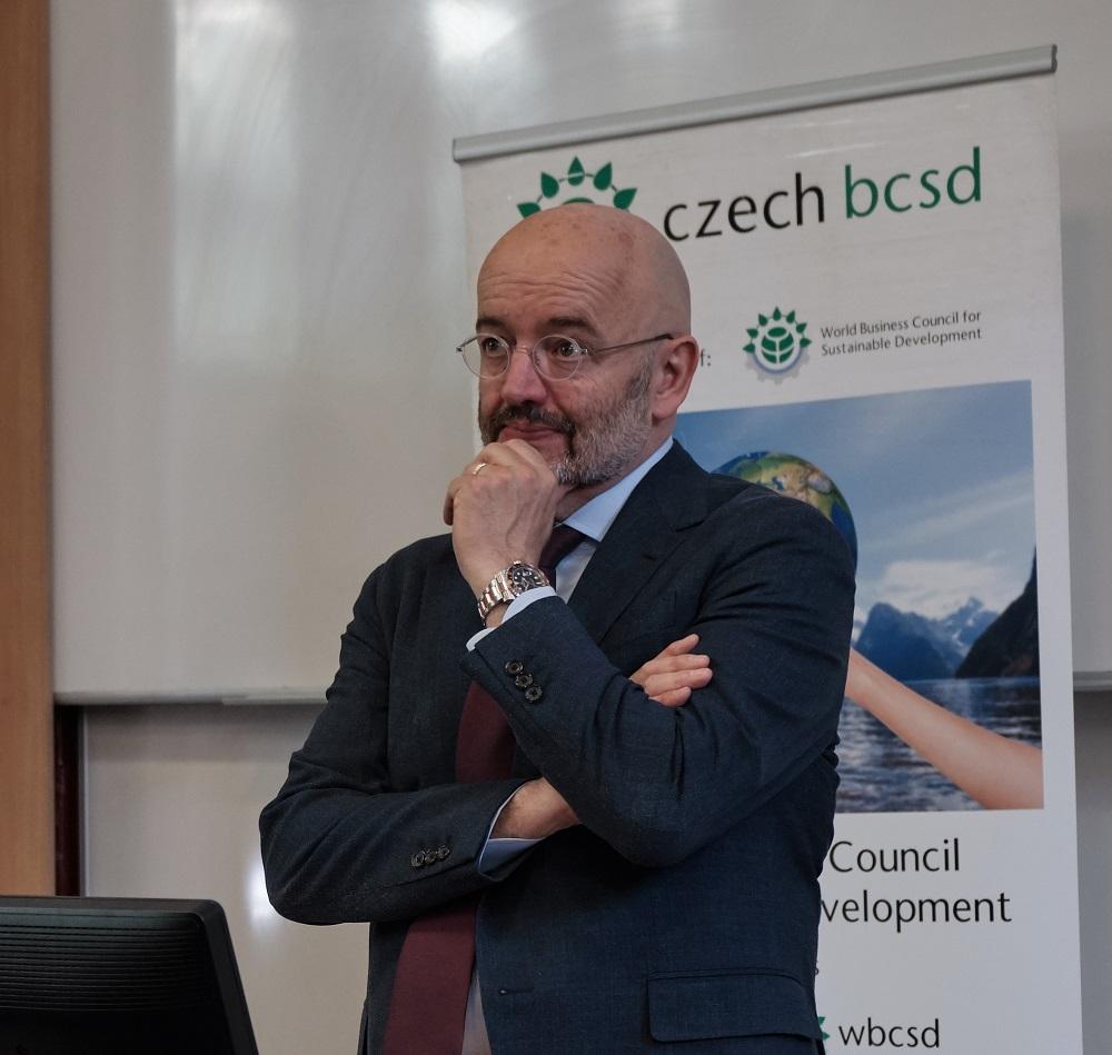 Na FMV přednášel Peter Bakker, prezident Světové podnikatelské rady pro udržitelný rozvoj