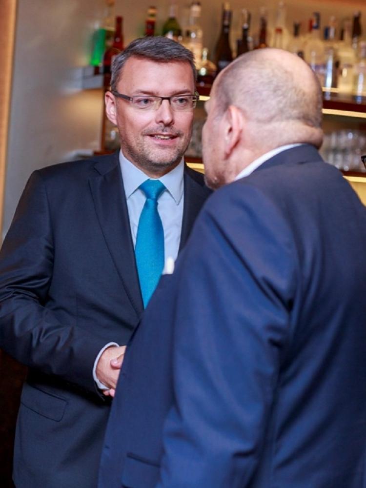 Mezinárodní obchodní komora slaví 100. výročí. Jejím předsedou v ČR je absolvent FMV.