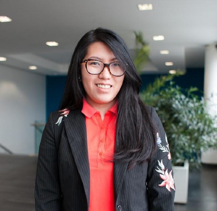 Jak se žije zahraničním studentům v Česku? Justine, studentka FMV z Filipín poskytla rozhovor Hospodářským novinám.