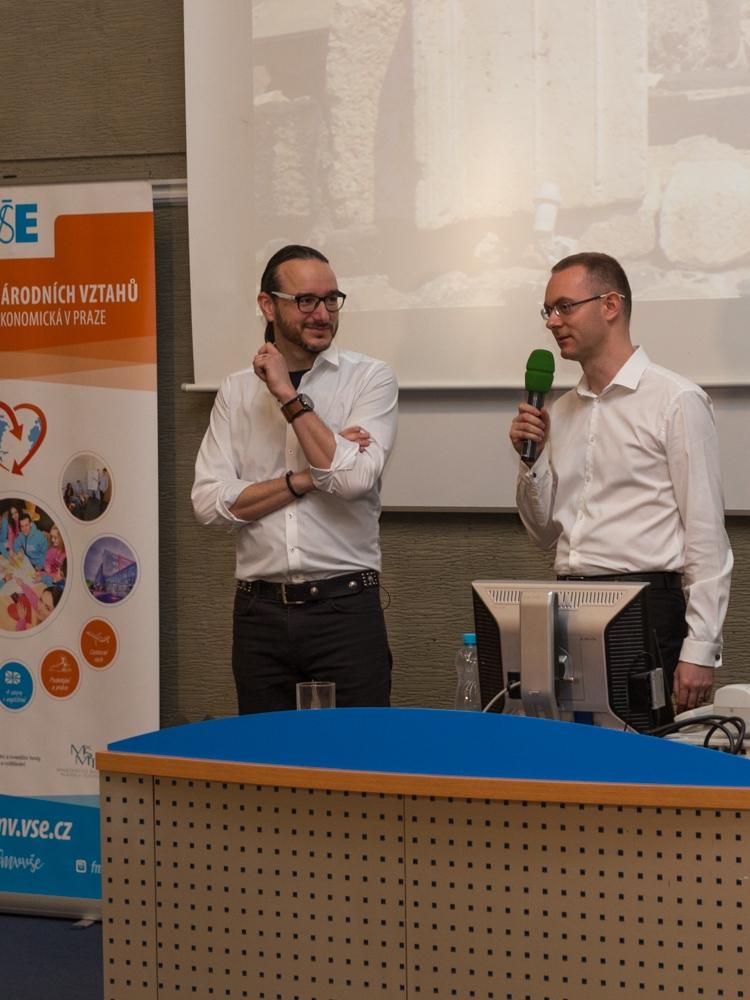 Jakub Szántó přednášel na FMV. Představil Blízký východ očima zahraničního zpravodaje ČT.