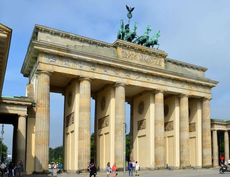 Výběrové řízení: Stáž na velvyslanectví ČR v Berlíně