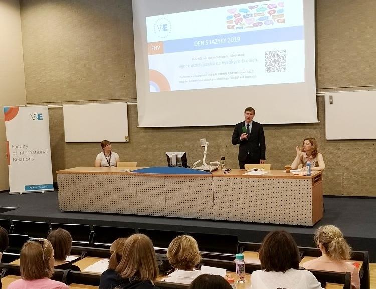 FMV pořádala konferenci Den s jazyky