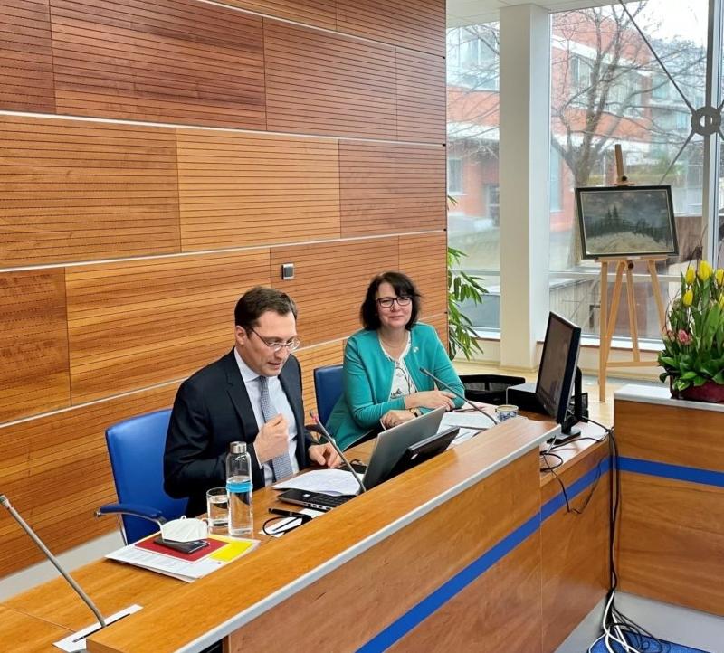 Francouzský velvyslanec přednášel v předmětu Světová ekonomika na FMV