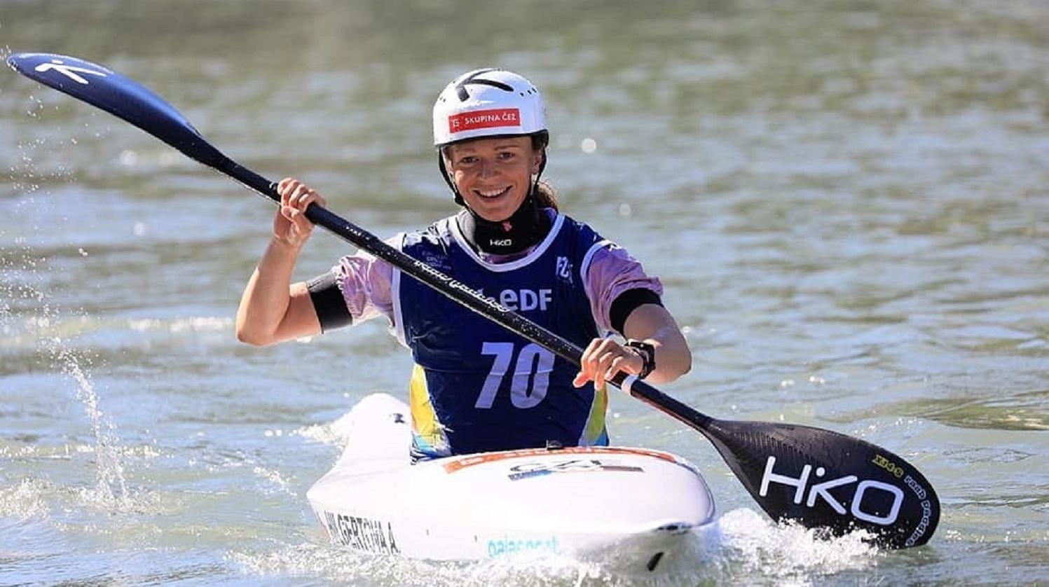 Studentka FMV Amálie Hilgertová je mistryní Evropy ve vodním slalomu