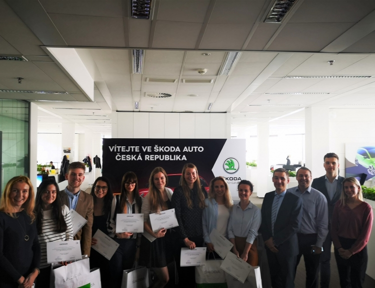 Studenti prezentovali své projekty před vedením marketingu Škoda Auto Česká republika
